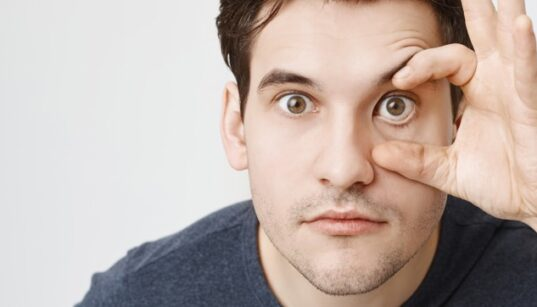 17 Tips To Keep Your Eyes Healthy